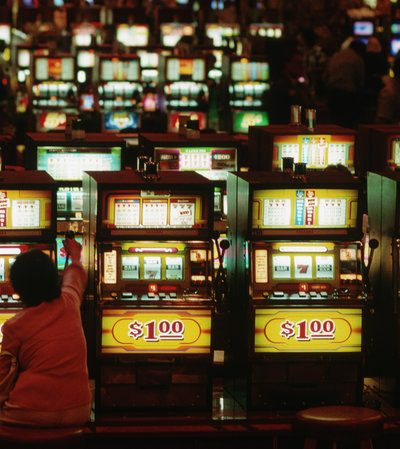 What are the uses of playing slot game?