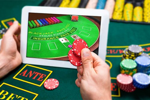 Good Reasons to Venture into Online Casino Games