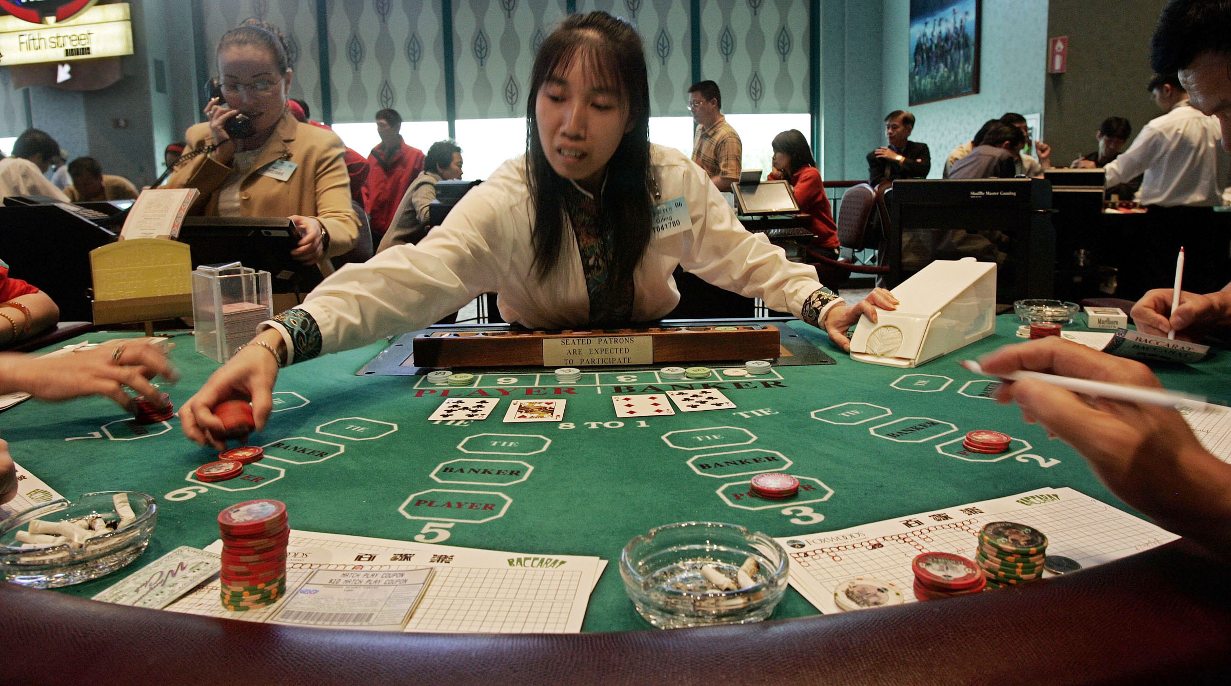 Have fun by playing most popular online casino games