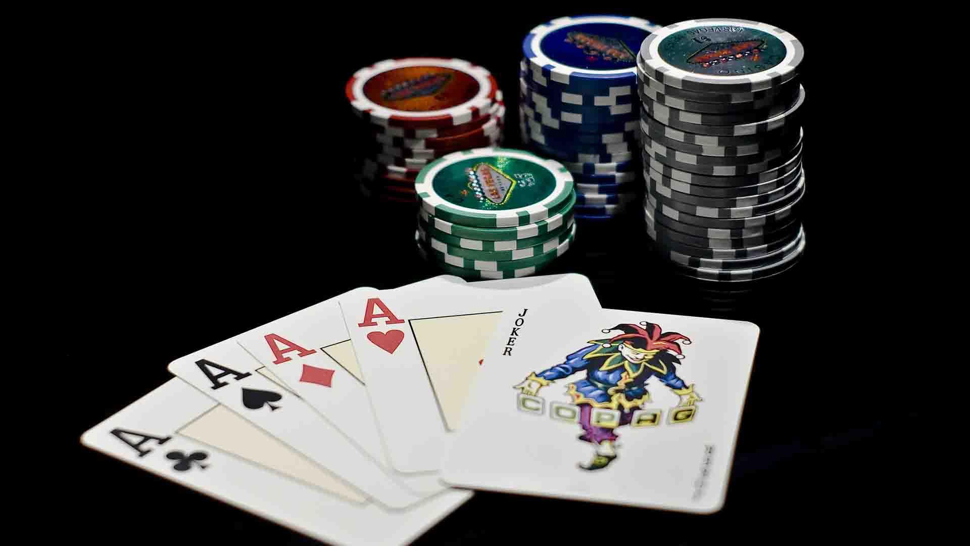 Anjuran dan Larangan dari Perjudian Poker Online